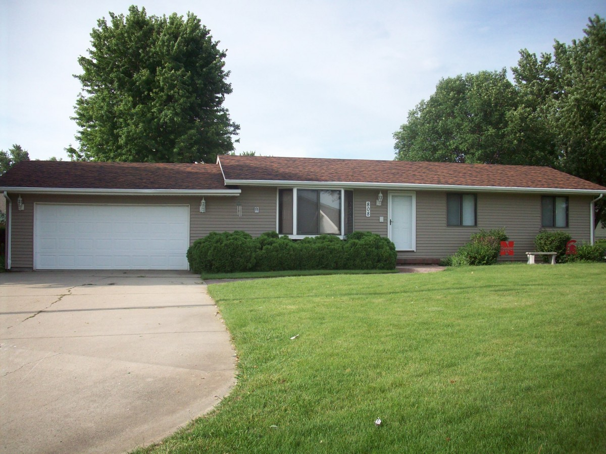 808 Pine Cir, Wakefield, NE Sold