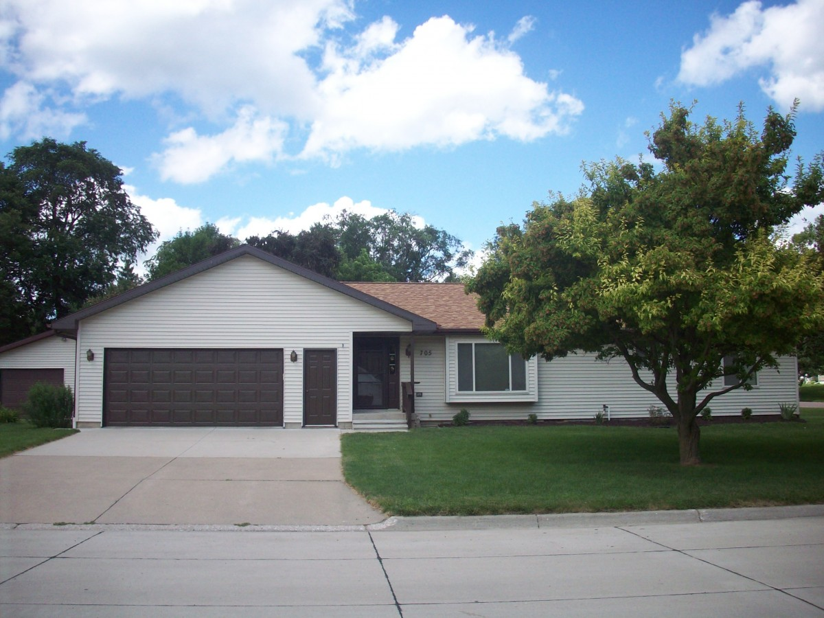 705 W Second, Ponca, NE  $189,000