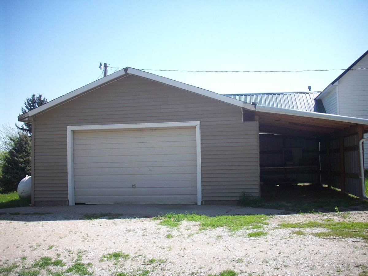 1981 240th Street, Emerson, NE  $70,000